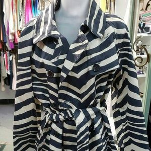 Coach NWT Cream & Navy Zebra Trench